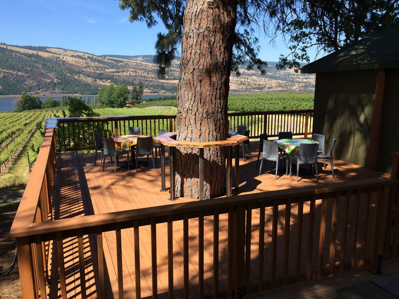 Garnier Vineyards tasting room deck